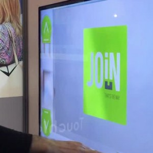photo  Reportage / Montage vidéo / Motion design   La vidéo, un média important pour communiquer sur internet !
