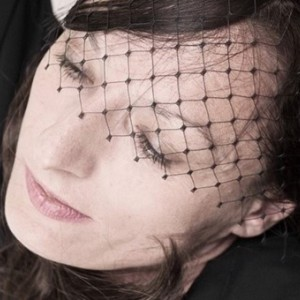 photo  Caroline-Christa Bernard   création du site internet pour la chanteuse, auteur et interprète